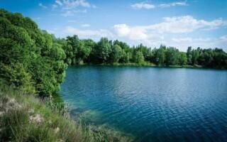 ✅Чим відрізняється річка від озера