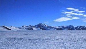 антарктичні пустелі